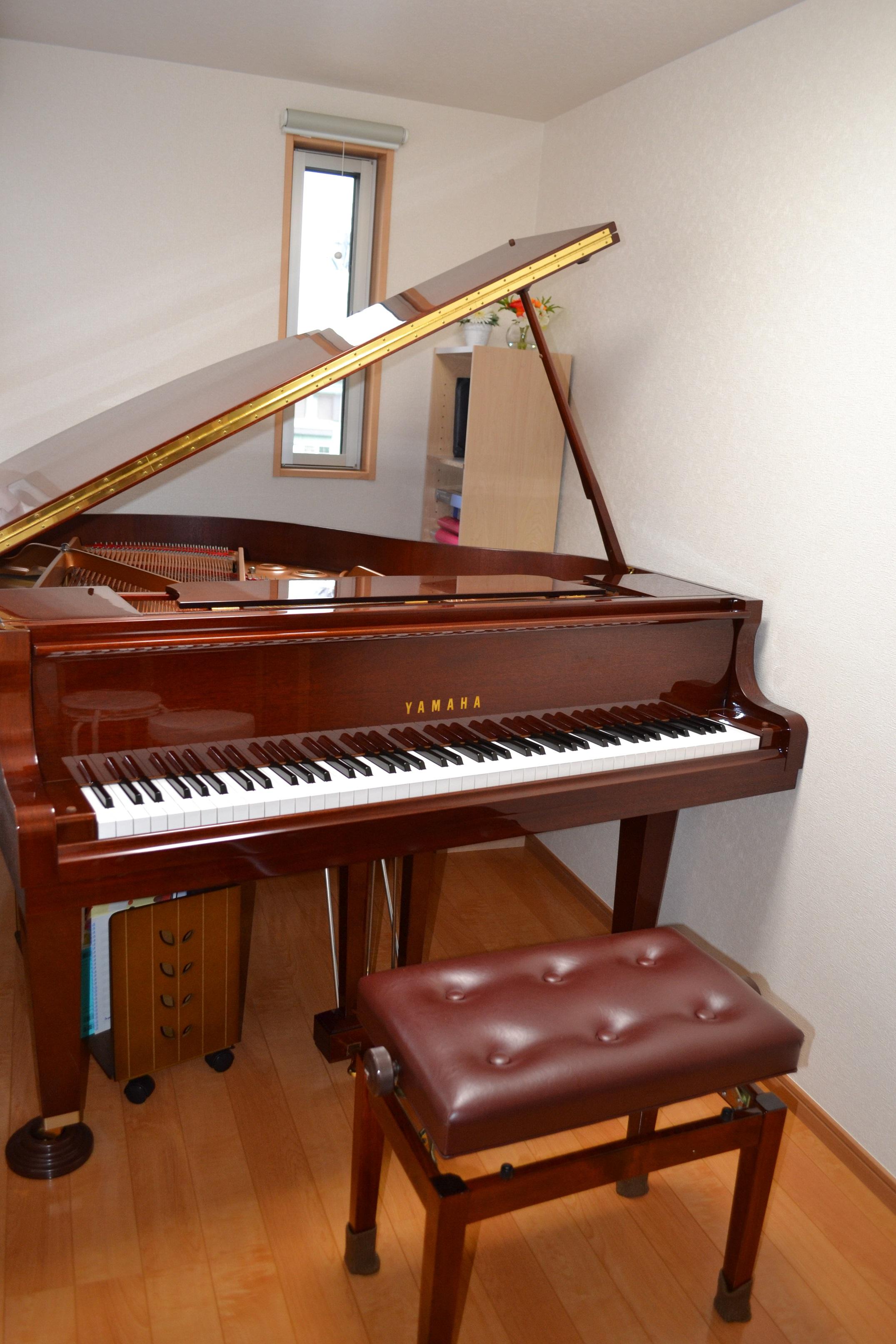 ピアノ教室レッスン室